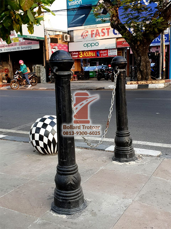 Bollard Trotoar Semarang Antik